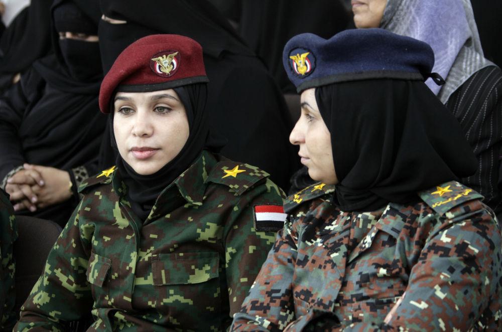 الضابطات اليمنيات في صنعاء، اليمن 9 سبتمبر/ أيلول 2011