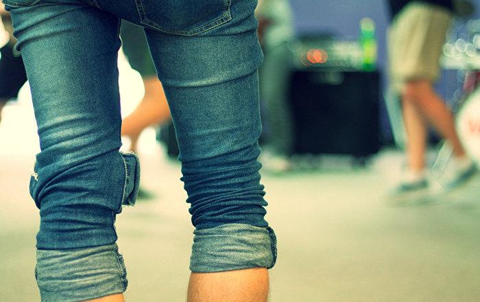 مدونة تكشف طريقة اختيار المقاس المناسب لسروال الجينز دون تجربته