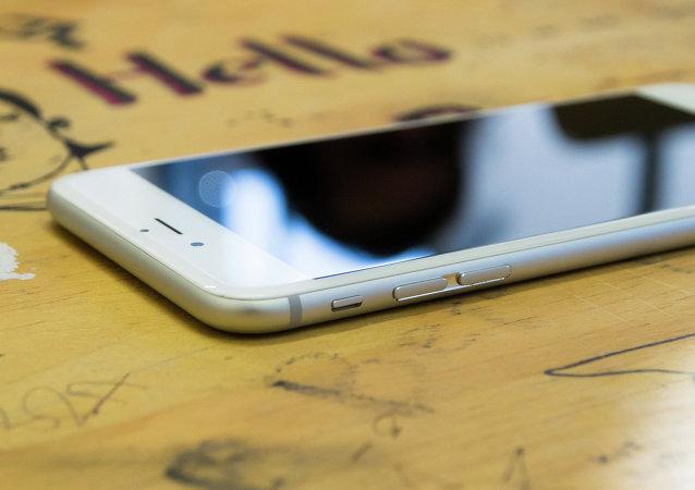 جهاز iPhone 6