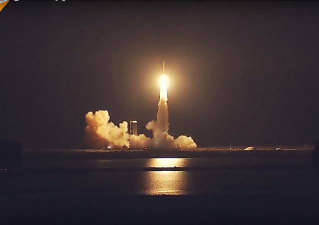 الولايات المتحدة تطلق قمرا صناعيا عسكريا Delta IV