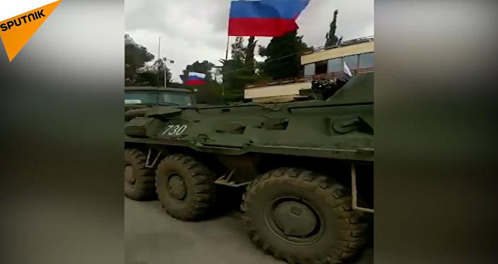 بالفيديو... مدرعات روسية تصل إلى عفرين السورية