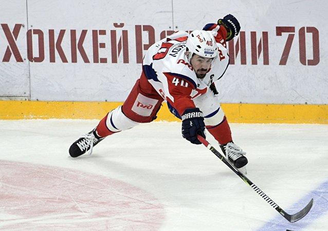 لاعب نادي لوكوموتيف للهوكي  الروسي دانييل أبالكوف