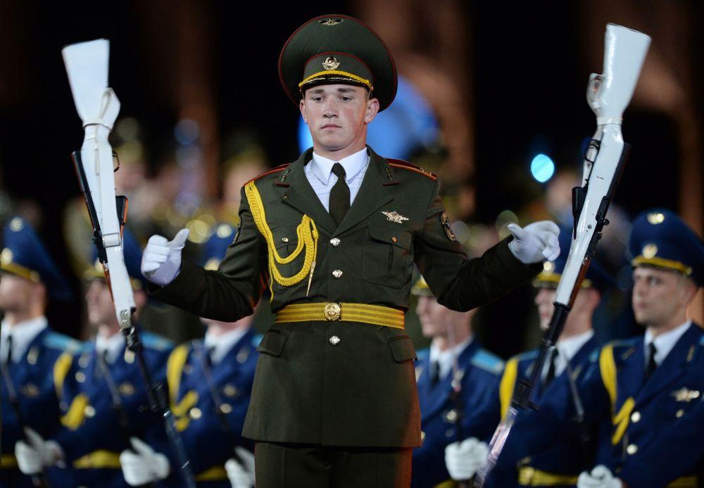 مهرجان الموسيقى العسكري سباسكايا باشنيا لعام 2016 في موسكو