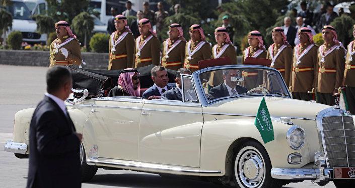 استقبال الملك سلمان في عمان