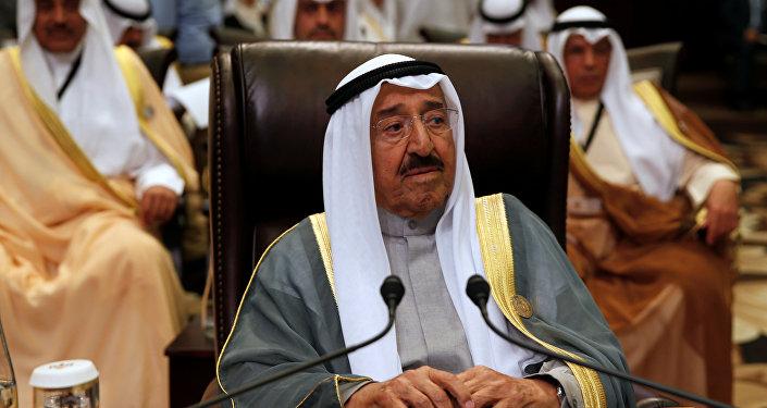 أمير الكويت في القمة العربية