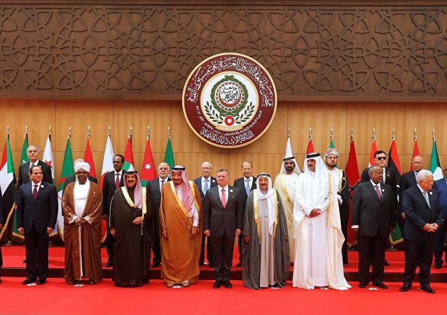 الزعماء العرب في قمة البحر الميت