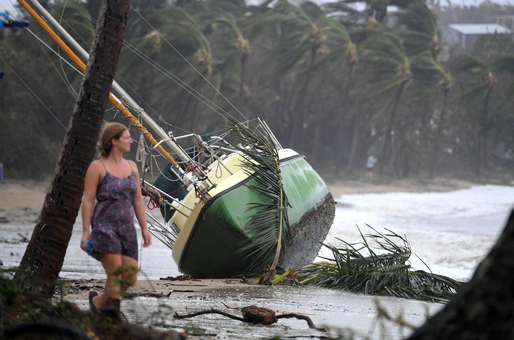 إعصار ديبي يضرب الساحل الشمالي لبلدة كوينزلاند، أستراليا 29 مارس/ آذار 2017