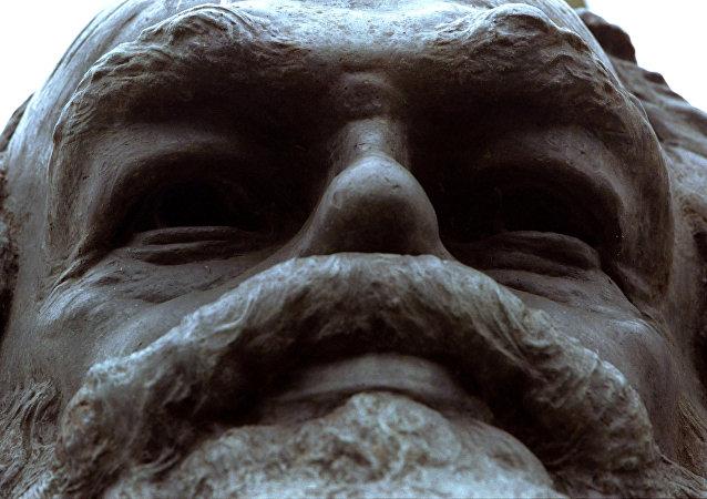 تمثال كارل ماركس في لندن