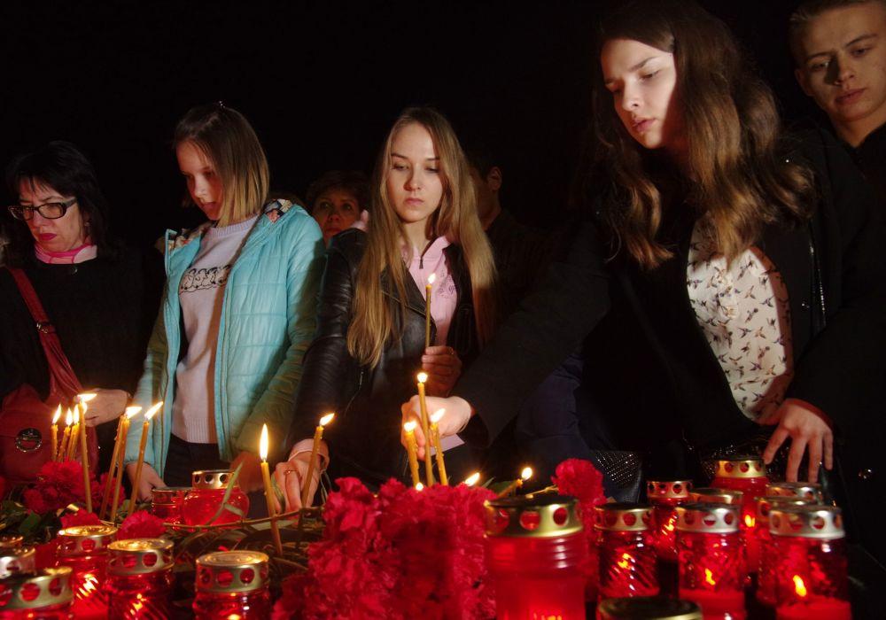 التضامن مع ضحايا انفجار مترو بمدينة سانت بطرسبورغ في القرم، روسيا