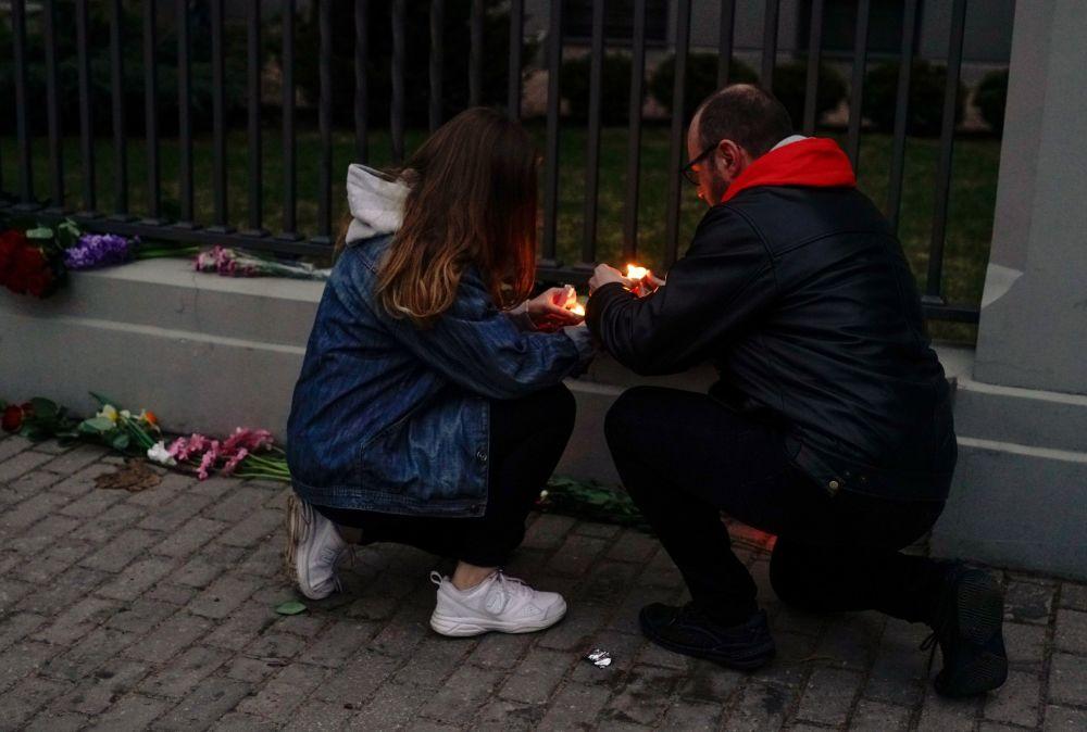 التضامن مع ضحايا انفجار مترو بمدينة سانت بطرسبورغ في ريغا، لاتفيا