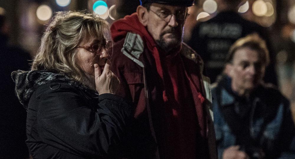 التضامن مع ضحايا انفجار مترو بمدينة سانت بطرسبورغ في برلين، ألمانيا