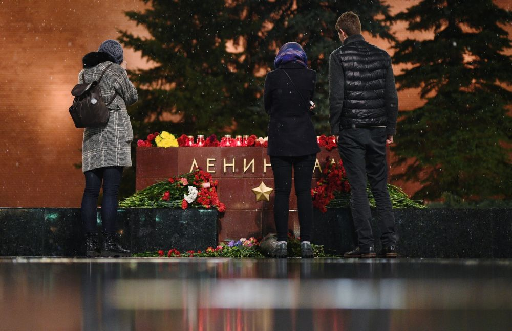 التضامن مع ضحايا انفجار مترو بمدينة سانت بطرسبورغ في موسكو، روسيا