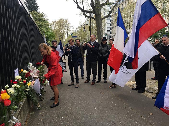 التضامن مع ضحايا انفجار مترو بمدينة سان بطرسبورغ في فرنسا