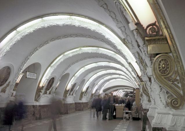 محطة مترو بلوشياد فوستانيا في مدينة سان بطرسبورغ