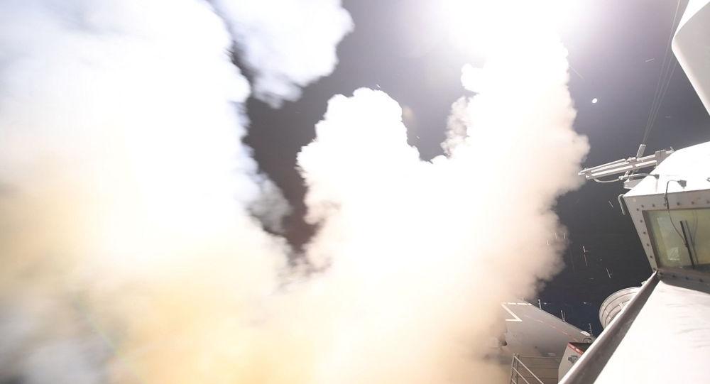 قصف صاروخي أمريكي لقاعدة عسكرية سورية