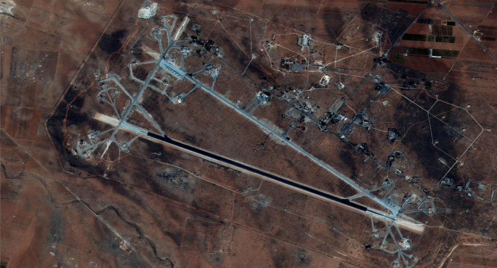 الولايات المتحدة تشن ضربات صاروخية جوية على القاعدة الجوية السورية، 7 ابريل/ نيسان 2017