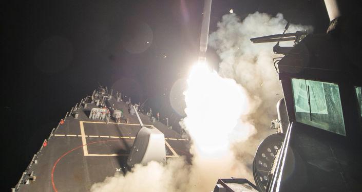 الولايات المتحدة تشن ضربات صاروخية جوية على القاعدة الجوية السورية الشعيرات، 7 ابريل/ نيسان 2017