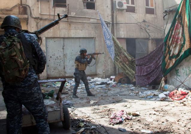 القوات العراقية خلال مهمته في مدينة الموصل، العراق