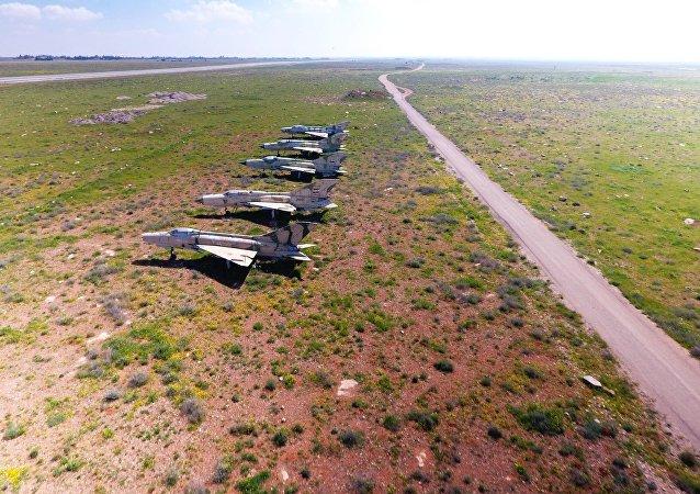 الطائرات السورية التي تبقت بعد القصف الأمريكي على القاعدة الجوية السورية الشعيرات في سوريا (ميغ-21)