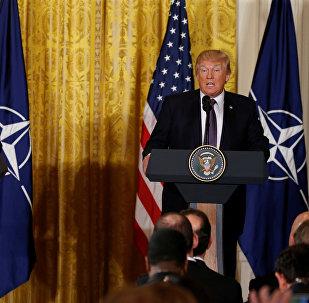 ترامب وأمين عام حلف الناتو