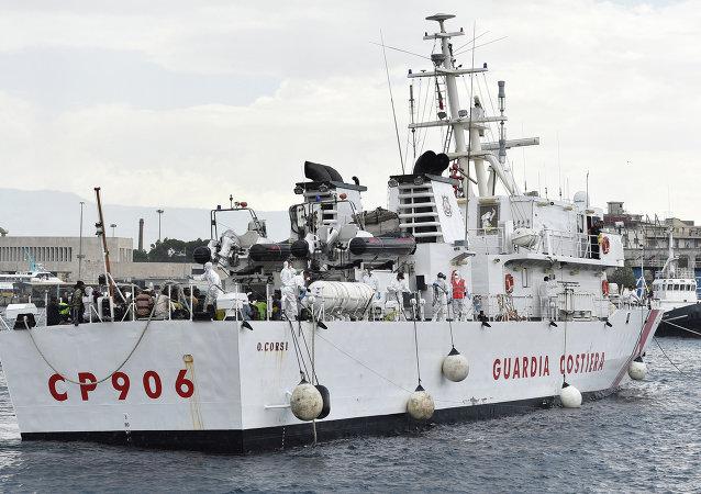 سفينة إيطالية (صورة أرشيفية)