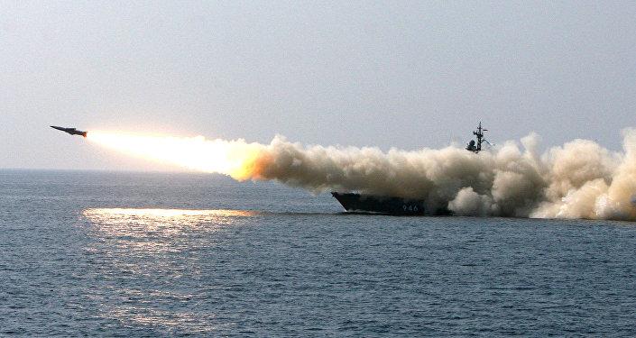 إطلاق صاروخ ممضاد للسفن الحربية