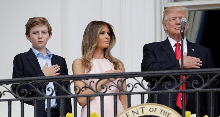 ميلانيا ودونالد ترامب في احتفالات عيد الفصح في البيت الأبيض