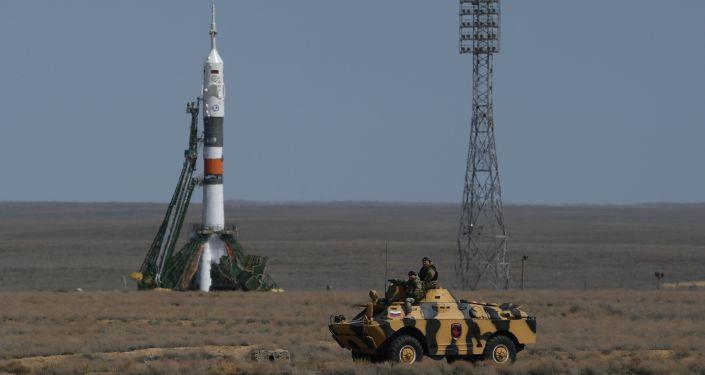 انطلق الصاروخ الناقل سويوز – إف - غي اليوم الخميس 20 أبريل/ نيسان، إلى محطة الفضاء الدولية، مقلا المركبة المأهولة سويوز ام سي - 04