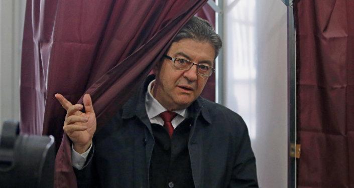 مرشح جبهة اليسار جان لوك ميلانشون في الانتخابات الفرنسية