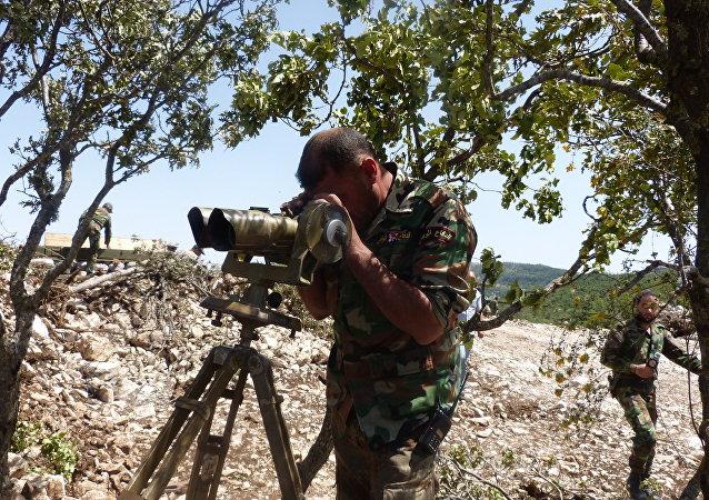 أحد أفراد الجيش السوري