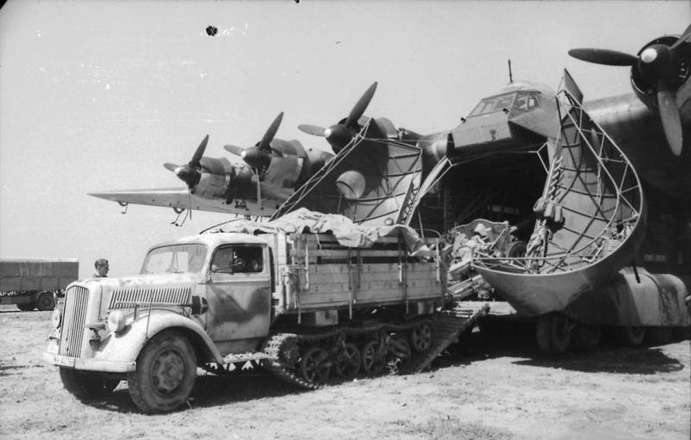 السيارة الألمانية أوبيل بيلتز مولتيير (Opel Blitz Maultier)، عام 1943
