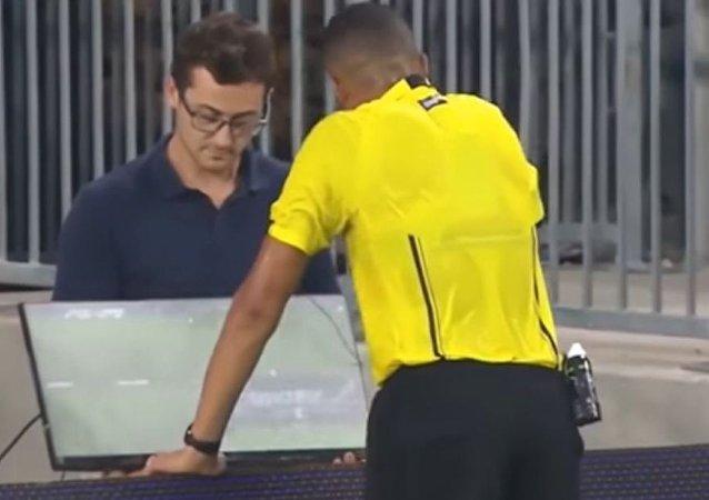 استخدام تقنية الفيديو في كأس القارات