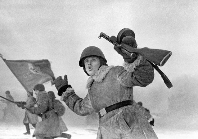 جبهة لينيغراد (سان بطرسبورغ الحالية) عام 1943