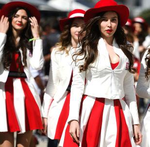 غريد-غيرلز - الفتيات المشاركات في مراسم افتتاح بطولة كأس الجائزة الكبرى فورمولا-1 في سوتشي، روسيا