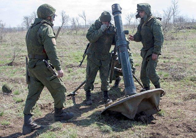 تمرين قوات جمهورية لوغانسك الشعبية