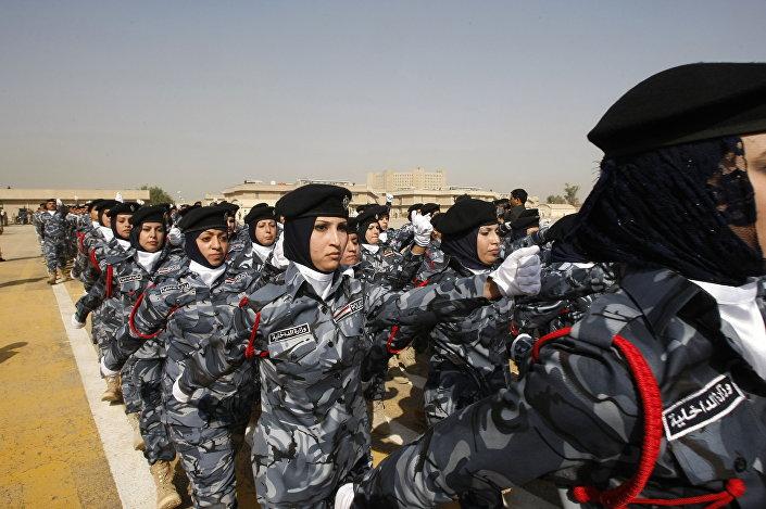 الجنديات العراقيات بكلية الشرطة ببغداد، العراق 9 نوفمبر/ تشرين الثاني 2009
