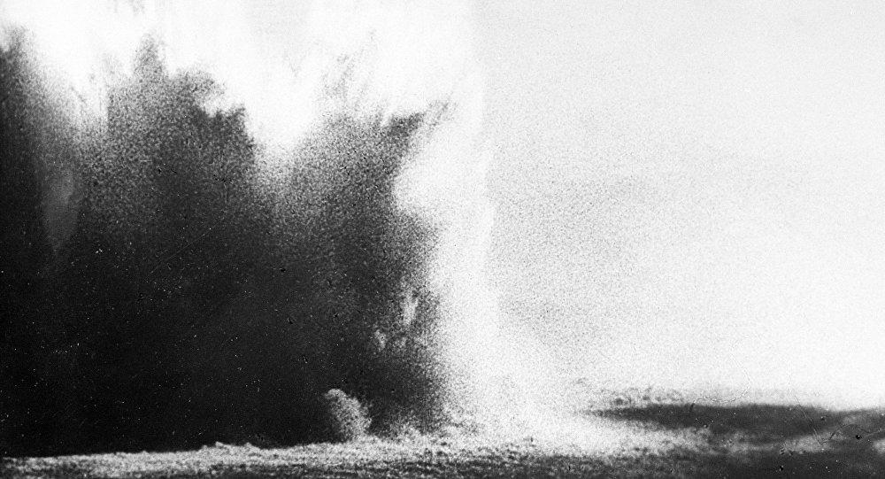 انفجار قنبلة بحرية