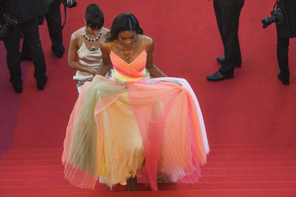 الممثلة ناؤومي هاريس خلال مراسم افتتاح الحفل الـ 70 لمهرجان كان السينمائي، فرنسا 17 مايو/ آيار 2017