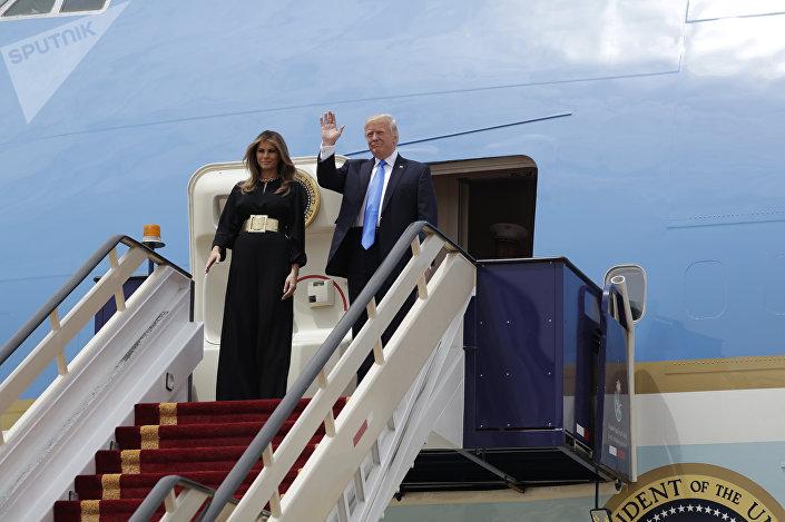دونالد ترامب وزوجته ميلانيا  في السعودية