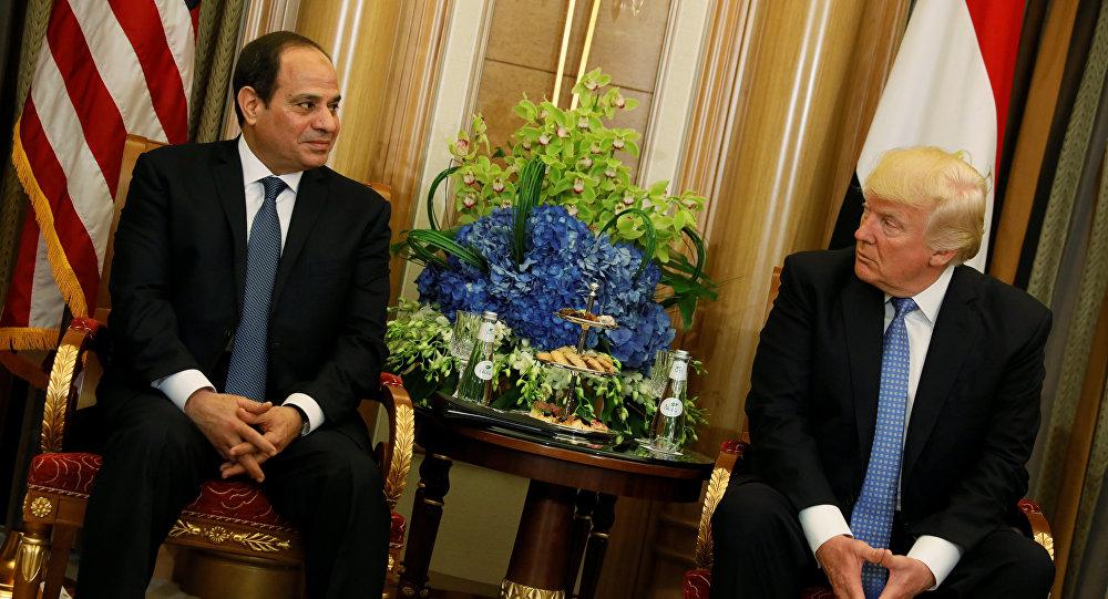 السيسي خلال لقاءه بترامب في السعودية
