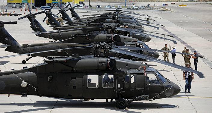 مروحيات بلاك هوك في مطار بن غوريون