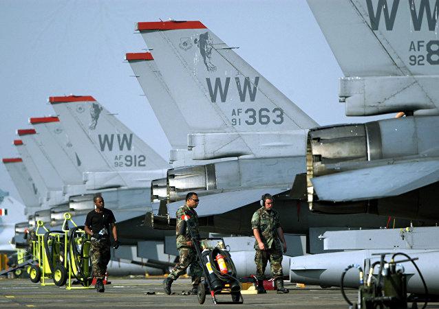 طائرات القوات الجوية الأمريكية من طراز إف-16