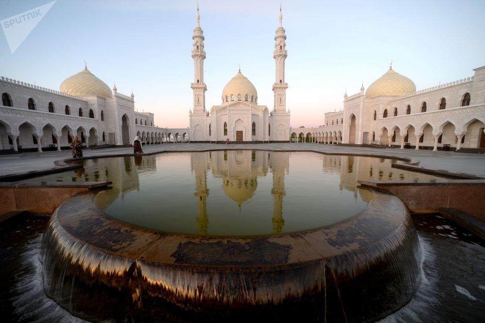 جامع آك-ميتشيت (الجامع الأبيض) في تتارستان