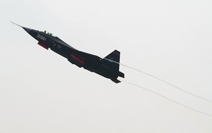 """هل تنافس مقاتلة الشبح الصينية """"جي 31"""" المقاتلة """"إف-35"""" الأمريكية؟"""