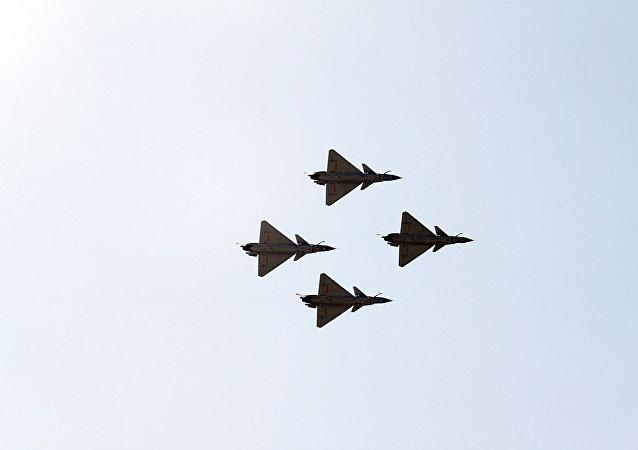 مقاتلات J-10
