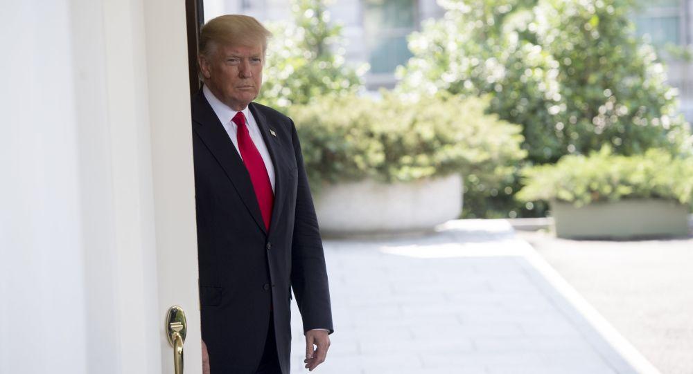 زيارة رئيس وزراء الفييتنام إلى الولايات المتحدة الأمريكية - دونالد ترامب ونجوين شوان فوك