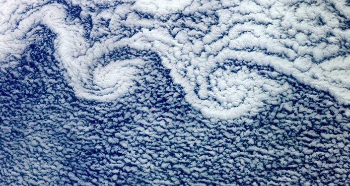 صورة لغيوم التقطها رائد فضاء الروسي فيودور يورتشيخين من على مركبة الفضاء الدولية