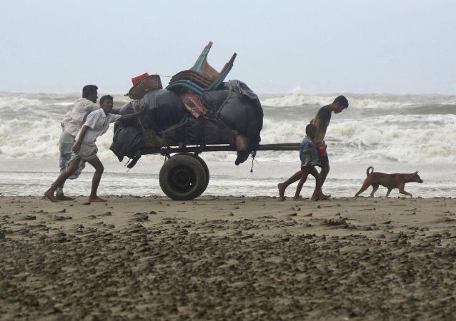 المتضررون من إعصار مورا في بنغلادش، 30 مايو/ أيار 2017
