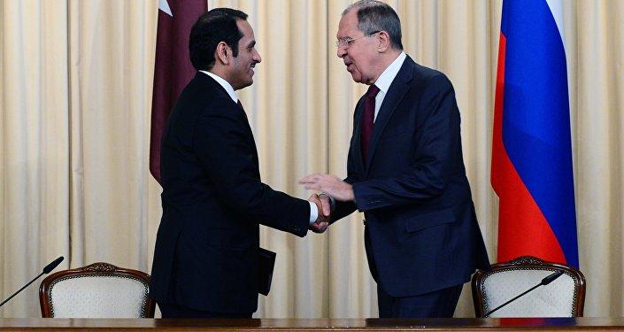 لافروف يلتقي مع نظيره القطري، الشيخ محمد بن عبد الرحمن آل ثاني في موسكو (أرشيف)