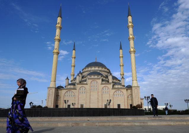 مسجد قلب الشيشان (باسم أحمد قاديروف) في مدينة غروني